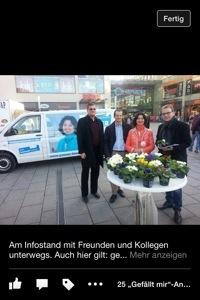 Unermüdliche Wahlkämpferin wie hier am CSU-Infostand in der Neuen Mitte: Quereinsteigerin Rosemarie Weber (Quelle: Screenshot von offizieller Facebook-Seite der Kandidatin)