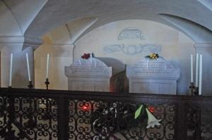 In der Gruft von Artstetten wurde das ermordete Thronfolger Ehepaar beigesetzt, da dort bereits ein Sohn des Paares begraben war.